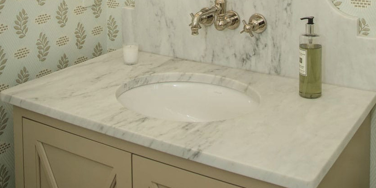 Finding Your Style: Oval vs. Square Bathroom Sinks